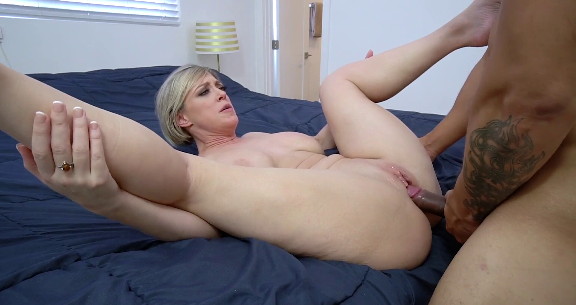 Busty Stepmom Dee Williams Cheating On Her Husband With Her Own Stepson